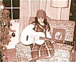 Megon McDonough and her beloved Christmas Guitar039