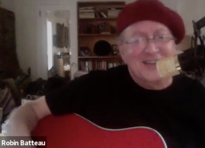 Robin was live at the Greenwich Village Folk Festival friends watching him joined him  what a result